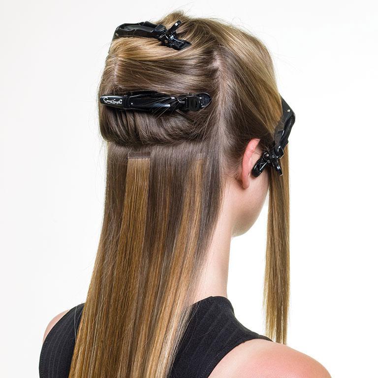 Proceso de colocación de extensiones de cabello natural por Macavi