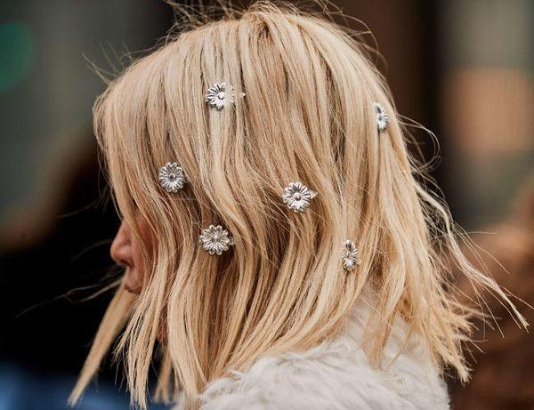 joyas en el pelo con media melena