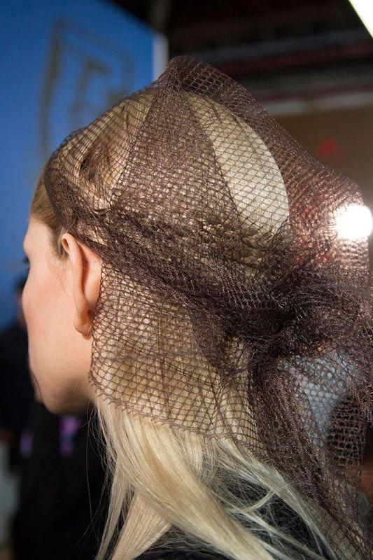 peinado con red para bodas, bautizos y comuniones