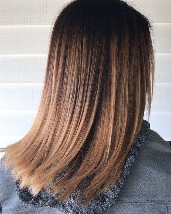 cuidados para el cabello liso con un pelo castaño