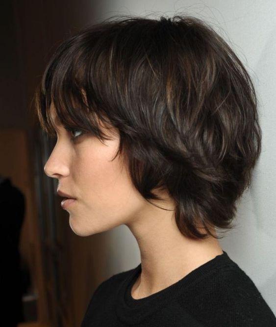 Corte de pelo shaggy en pelo corto