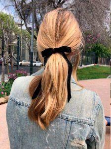 Accesorios para el cabello en agosto, lazos en coletas