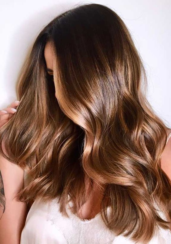 el color del otoño para el cabello, rubio oscuro