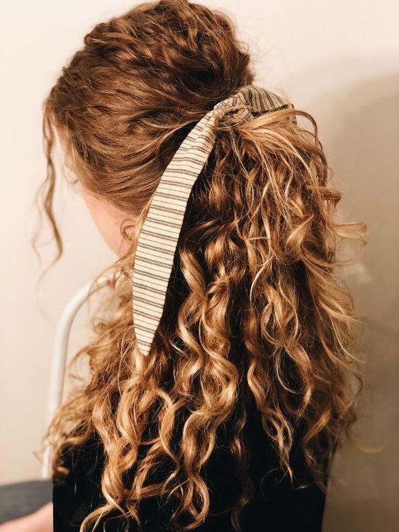 Cuidado el cabello rizado y definir bien el rizo