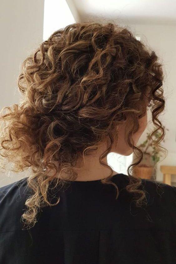 Cuidado el cabello rizado con hidratación
